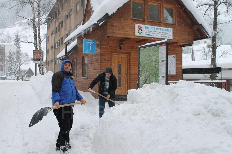 IMG2183-SnijegPutMira
