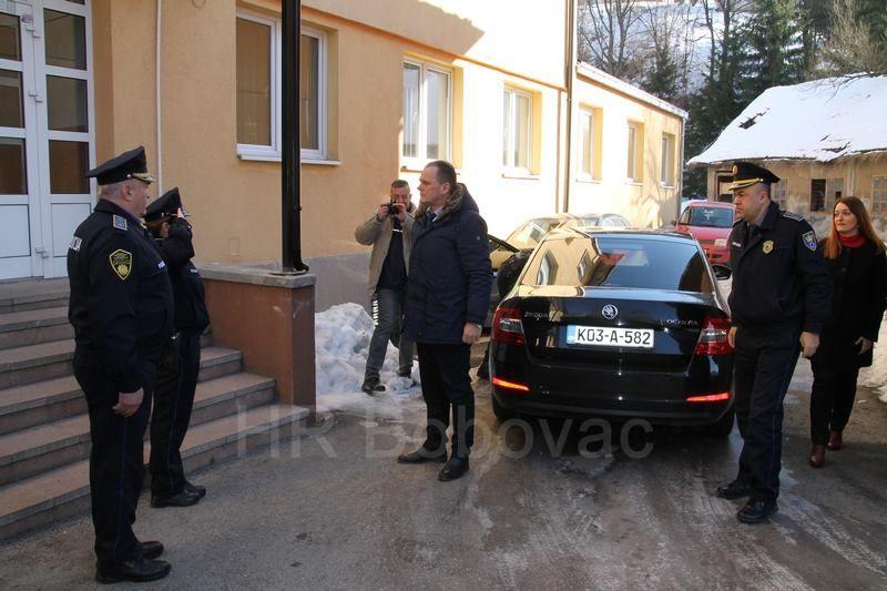 IMG2513-PolicijaVozilo
