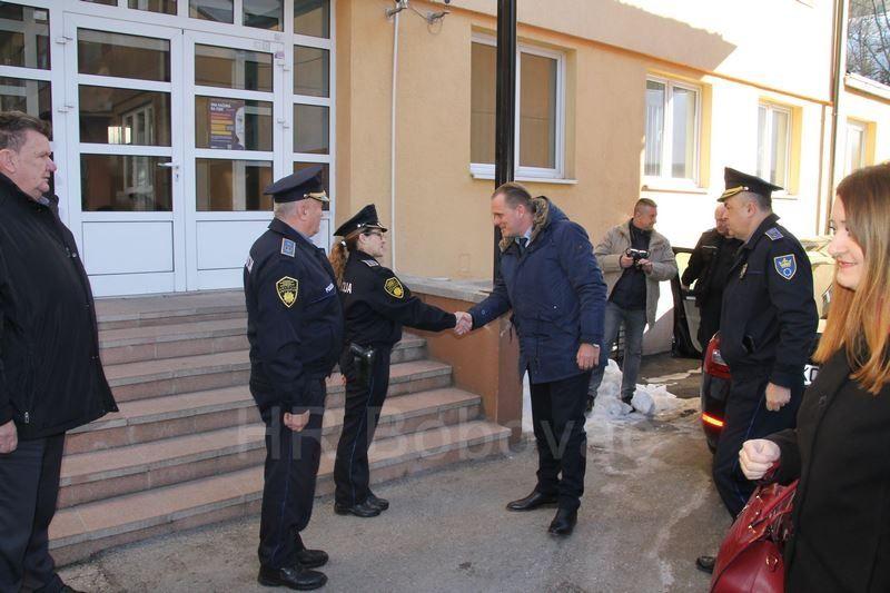 IMG2516-PolicijaVozilo