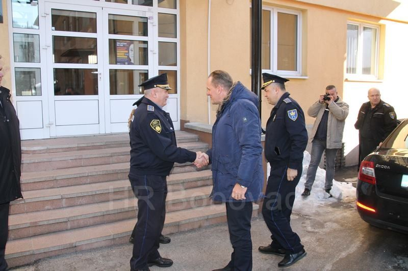 IMG2517-PolicijaVozilo