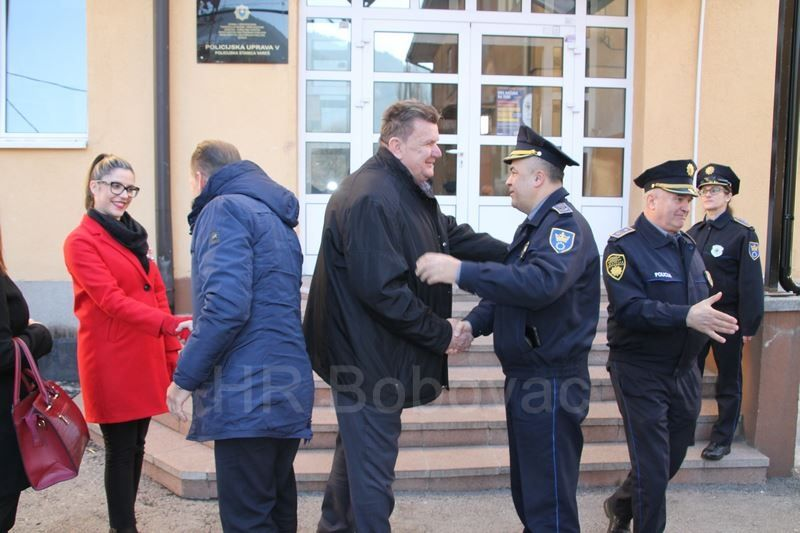 IMG2520-PolicijaVozilo