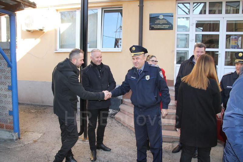 IMG2523-PolicijaVozilo