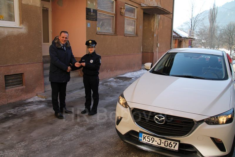 IMG2527-PolicijaVozilo