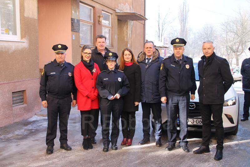 IMG2531-PolicijaVozilo