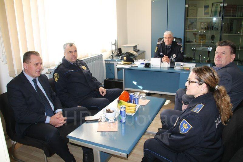IMG2536-PolicijaVozilo