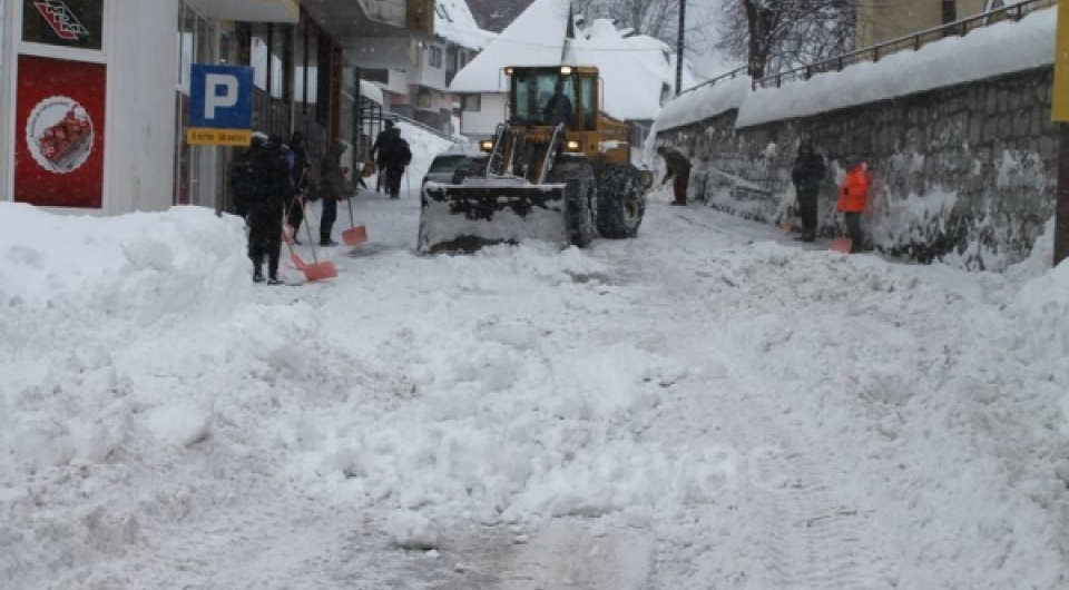 Radovi na čišćenju ulice Put mira