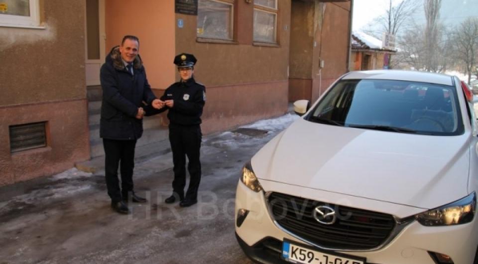 Policijskoj stanici Vareš uručeno novo službeno vozilo