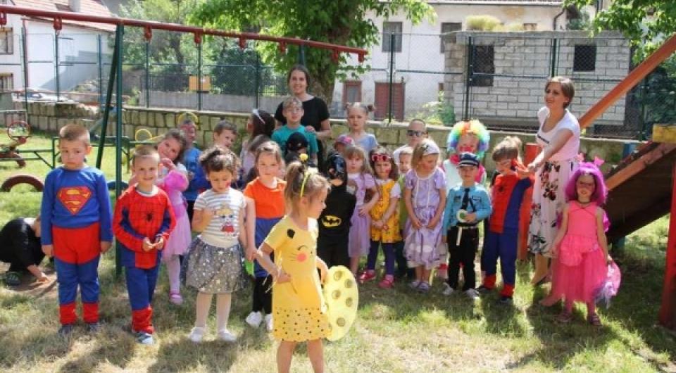 Vareški mališani obilježili kraj vrtićke godine