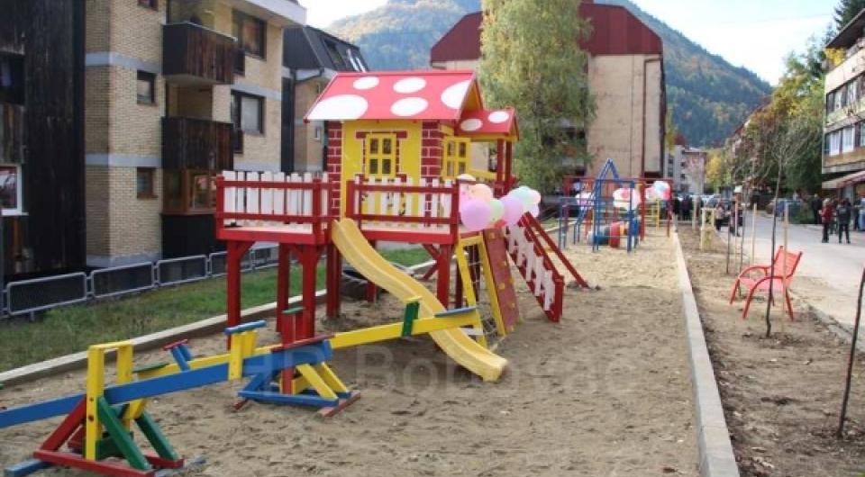 Otvoreno dječje igralište u Vareš Majdanu
