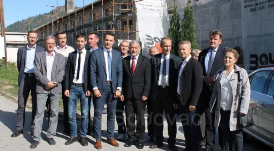 Ministri iz Vlade FBiH i ZDK posjetili OŠ Vareš Majdan